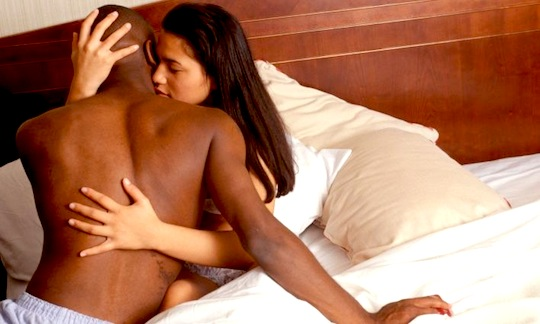 Why Hot White Women Are Often Attracted To Black Men -7407